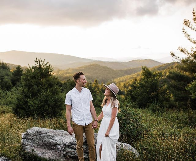 Can I shoot in the mountains every single session !?? PUHLEASE 😫😍 the views, the light, the colors, the couple, the outfits...just everything was to die for! . . . . . . . . . #ncweddingphotographer #ncengagementphotographer #cltphotographer #charlottelately #persuepretty #inspiredbythis #babetown #chasinglight #sheislight #sheisfierce #thehappynow #lookslikefilm #darlingweekends #loveandwildhearts #loveandlight #shotwithlove #justgoshoot #blowingrocknc #happyheart #mountainviews #wildhairandhappyhearts #shootandshare #radcouples