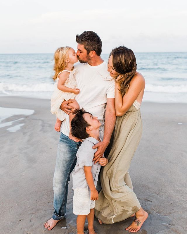 My sweet family 🥰 love every one of them so so much ! Thank you @photographybyoliviataylor for these amazing beach photos!! I can't get enough . . . . . . . #carolinabeach #wilmingtonnc #beachsession #lifestyle #beachsunset  #lifestylephotographer #persuehappiness #chasinglight #flashesofdelight #shootandshare #mastinlabs #lookslikefilm #travelingphptographer #inspiredbythis #thehappynow #seeksimplicity #ncphotographer #travelingphotographer #familyphotography #beachvibes