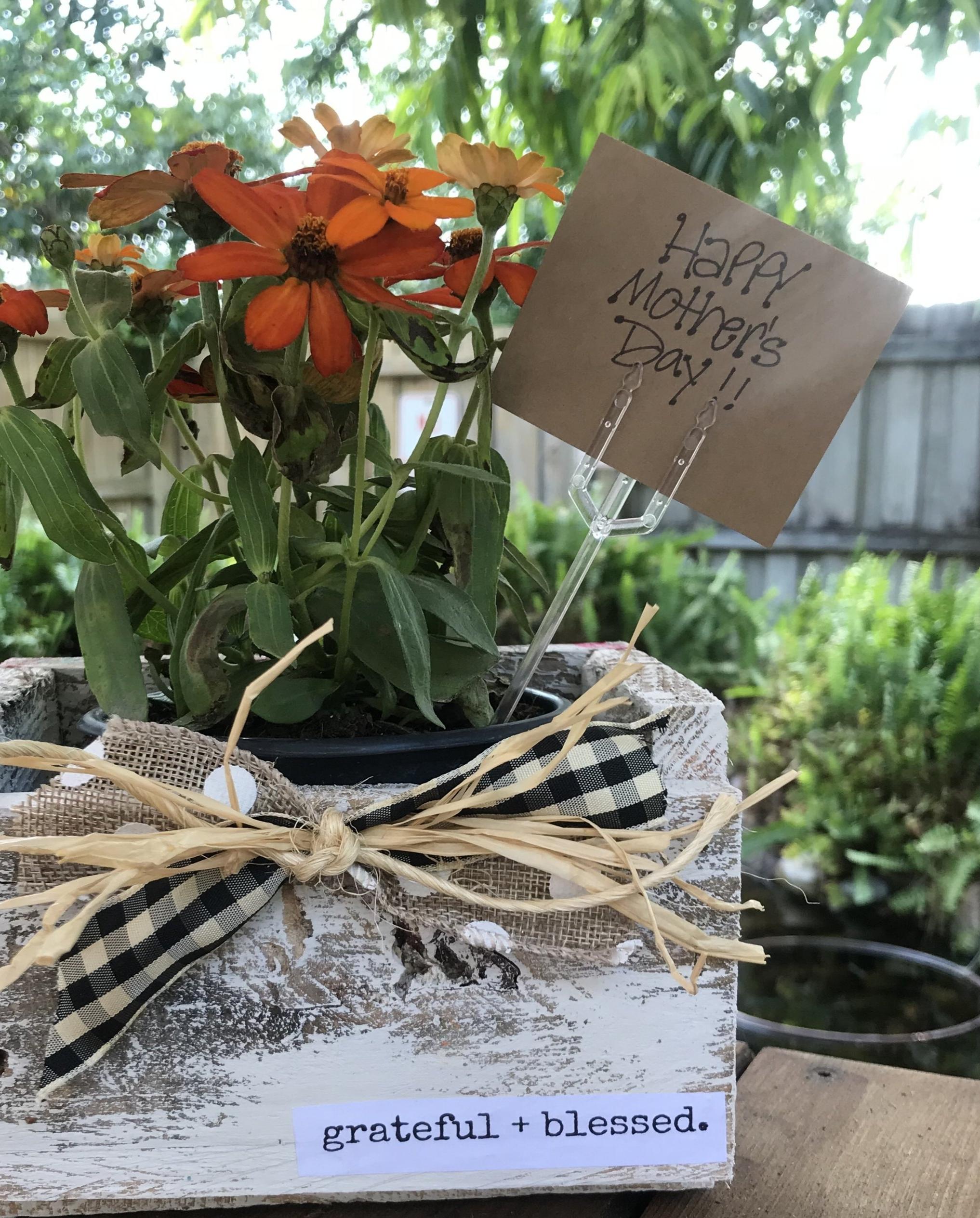 flower box2.jpg