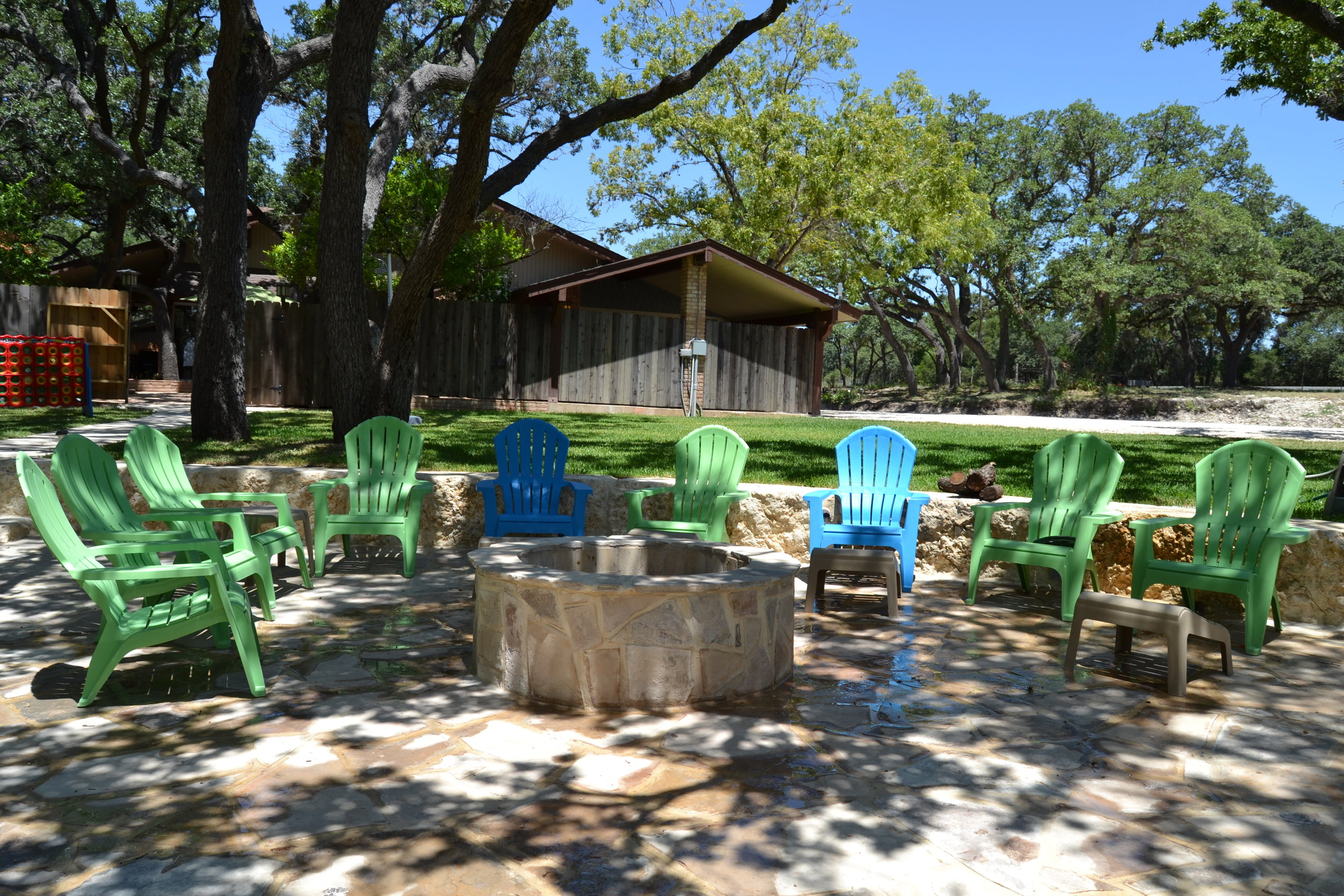 Rio Grande River House - Lounge Area & Fire Pit