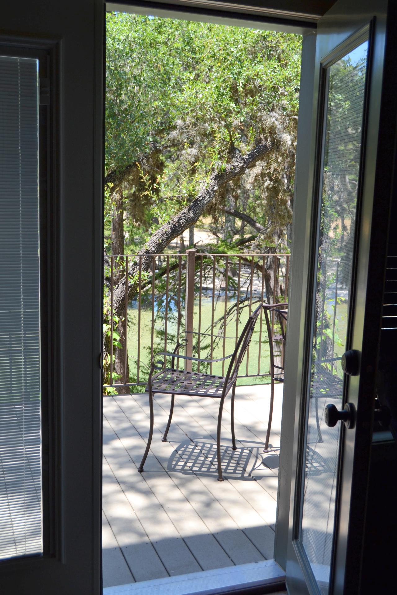 Trinity Cabin - Private Balcony