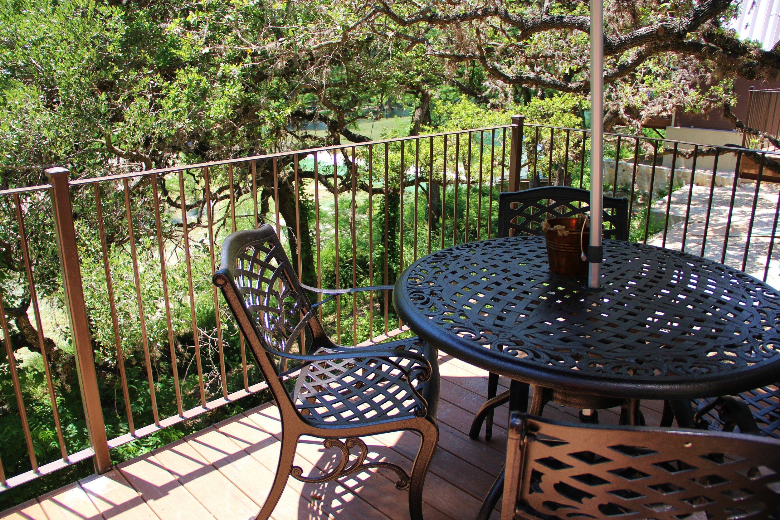 Medina Cabin | Private Balcony