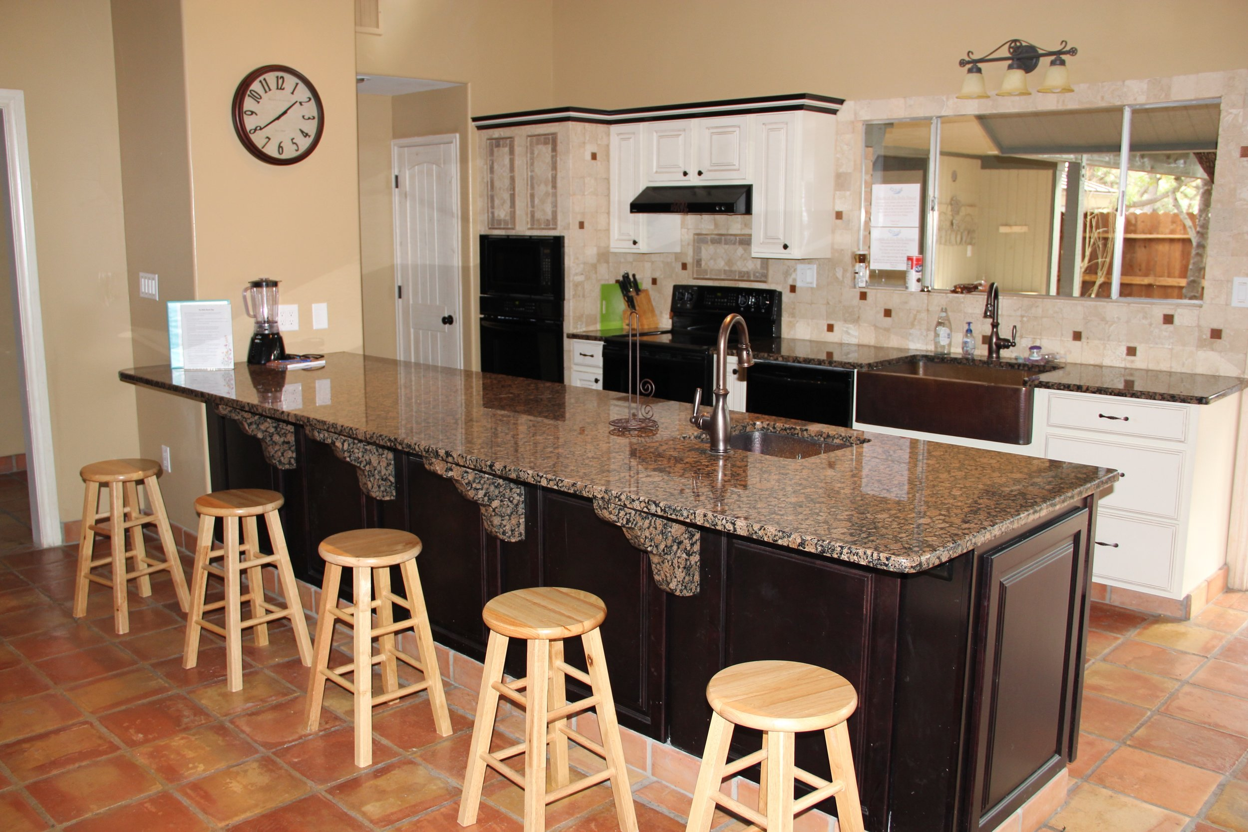 Rio Grande River House - Kitchen