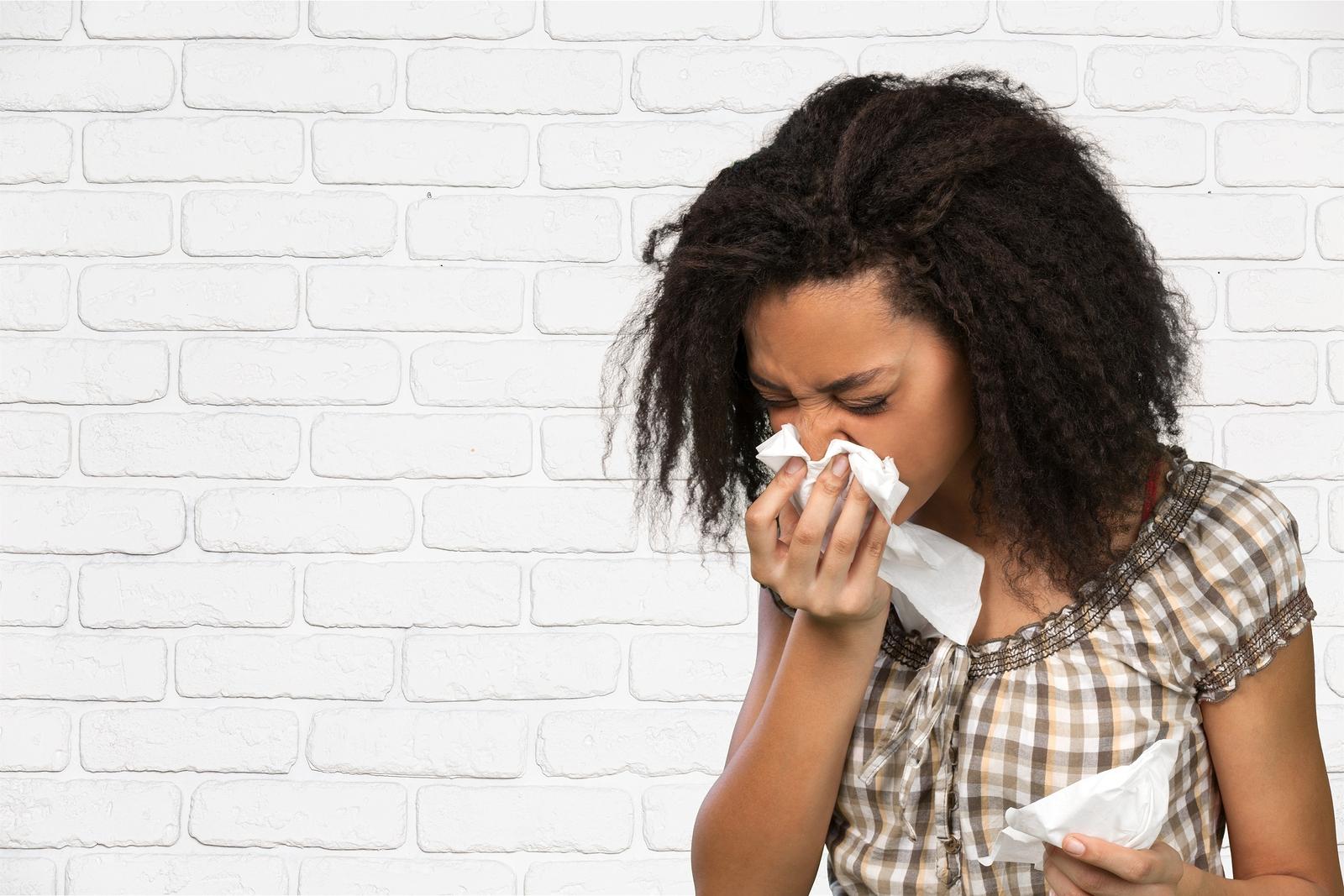 bigstock-Sneezing--111761675.jpg