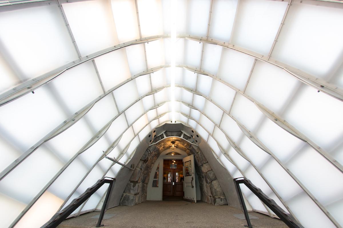 Snow_tunnel.jpg