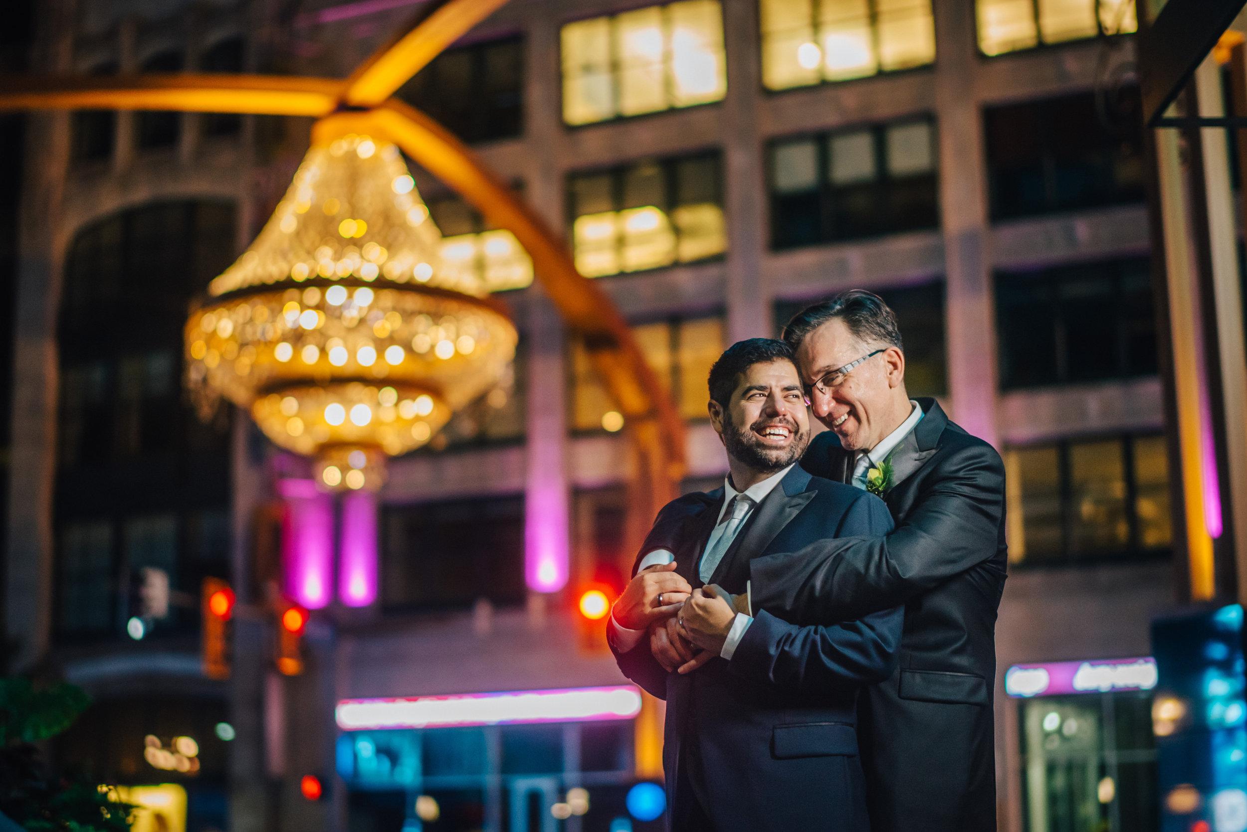wedding-photo-cleveland-chandelier.jpg