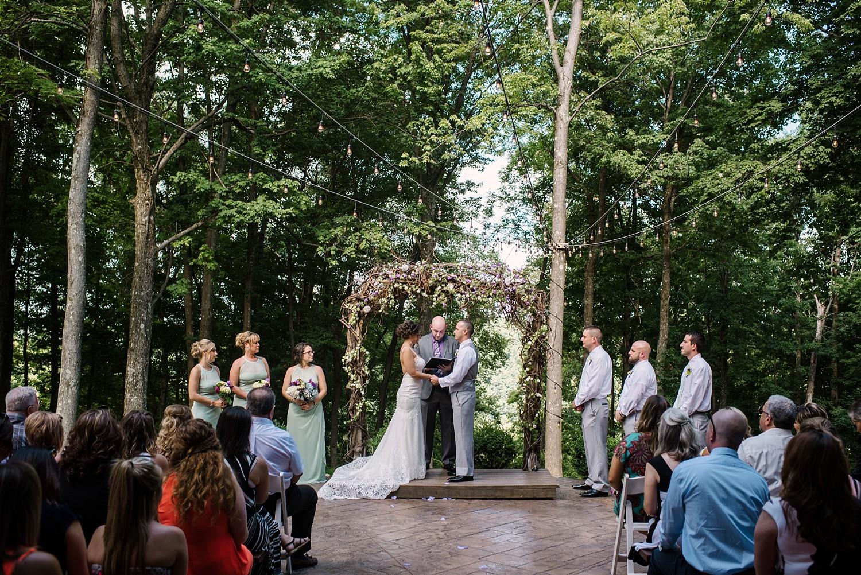 Mohican-Grand-Barn-Wedding_0017.jpg