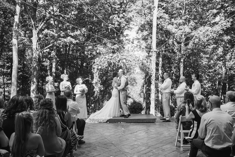 Mohican-Grand-Barn-Wedding_0022.jpg