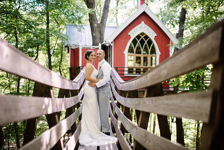 Mohican-Grand-Barn-Wedding_0037.jpg