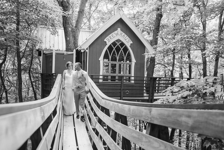 Mohican-Grand-Barn-Wedding_0042.jpg