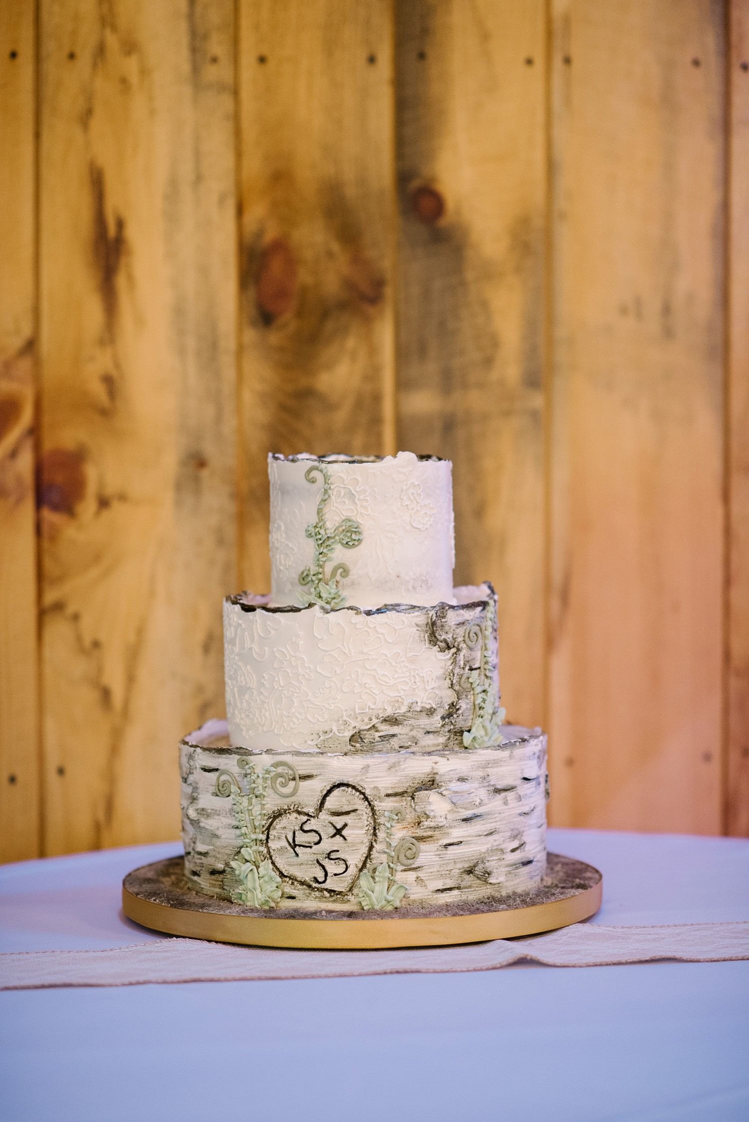 Mohican-Grand-Barn-Wedding_0051.jpg