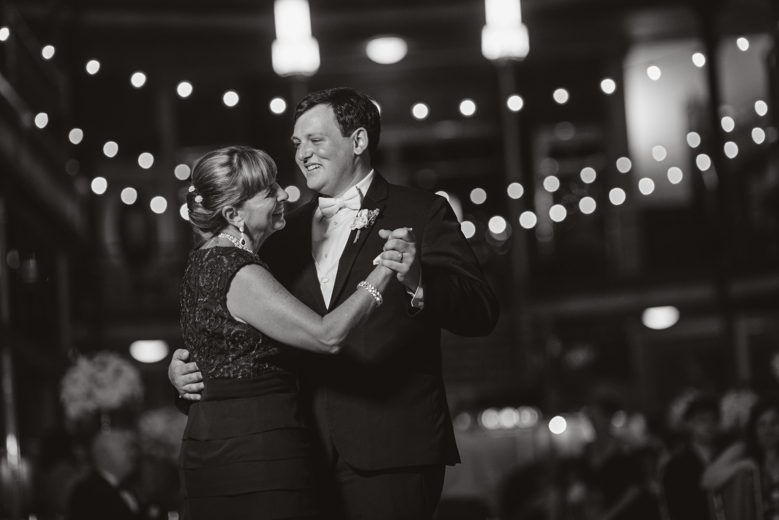 cleveland arcade wedding-0098.jpg