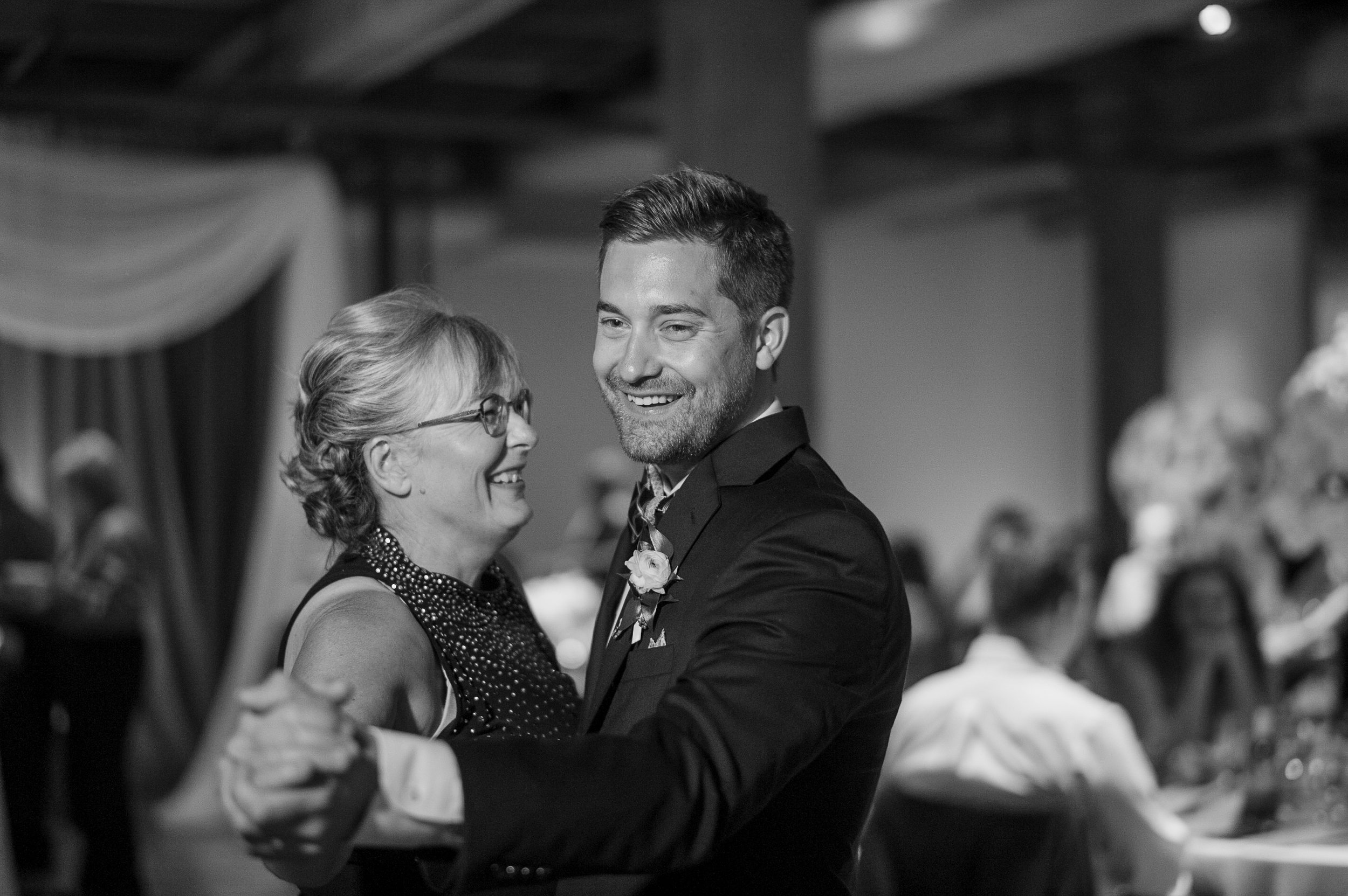 bridgeport art center wedding-0077.jpg