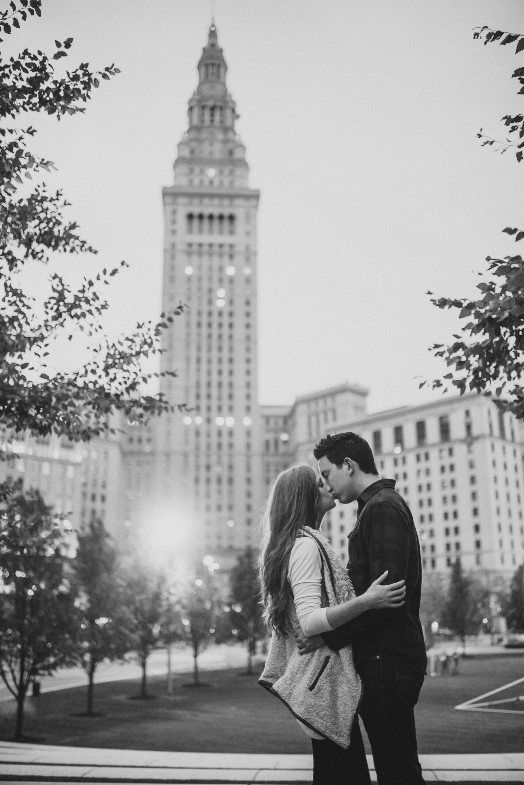 Downtown Cleveland Engagement Session-0025.jpg