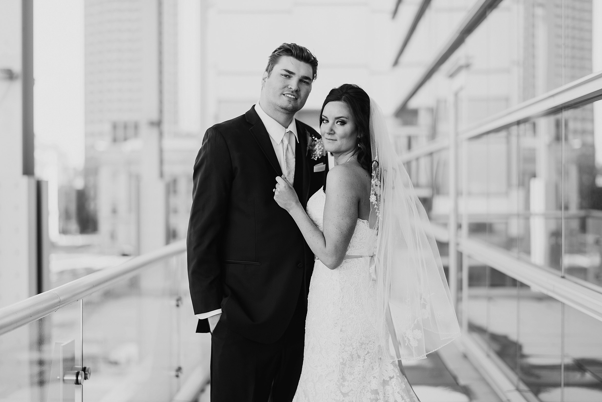 Hilton Downtown Cleveland Wedding0035.jpg