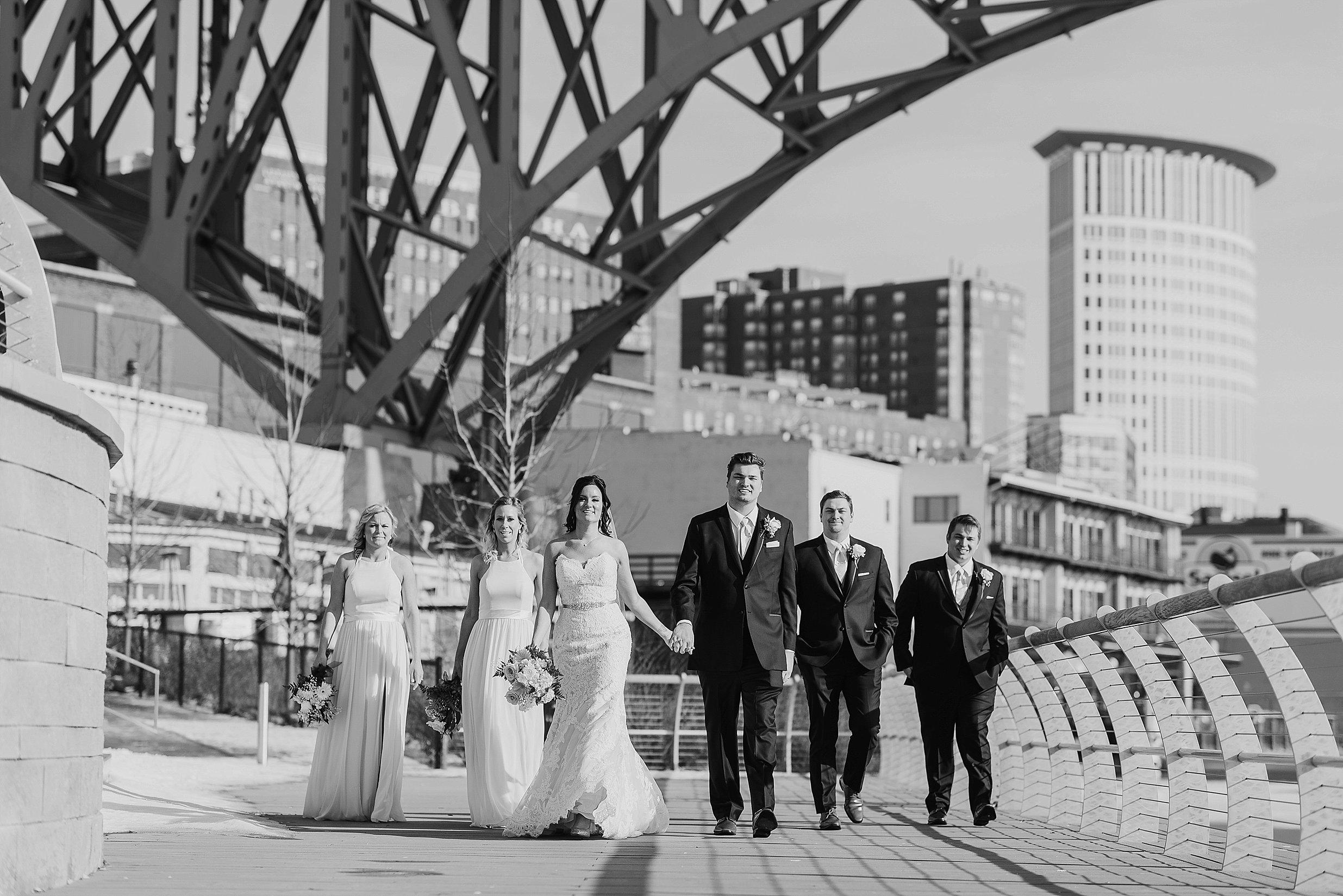Hilton Downtown Cleveland Wedding0039.jpg