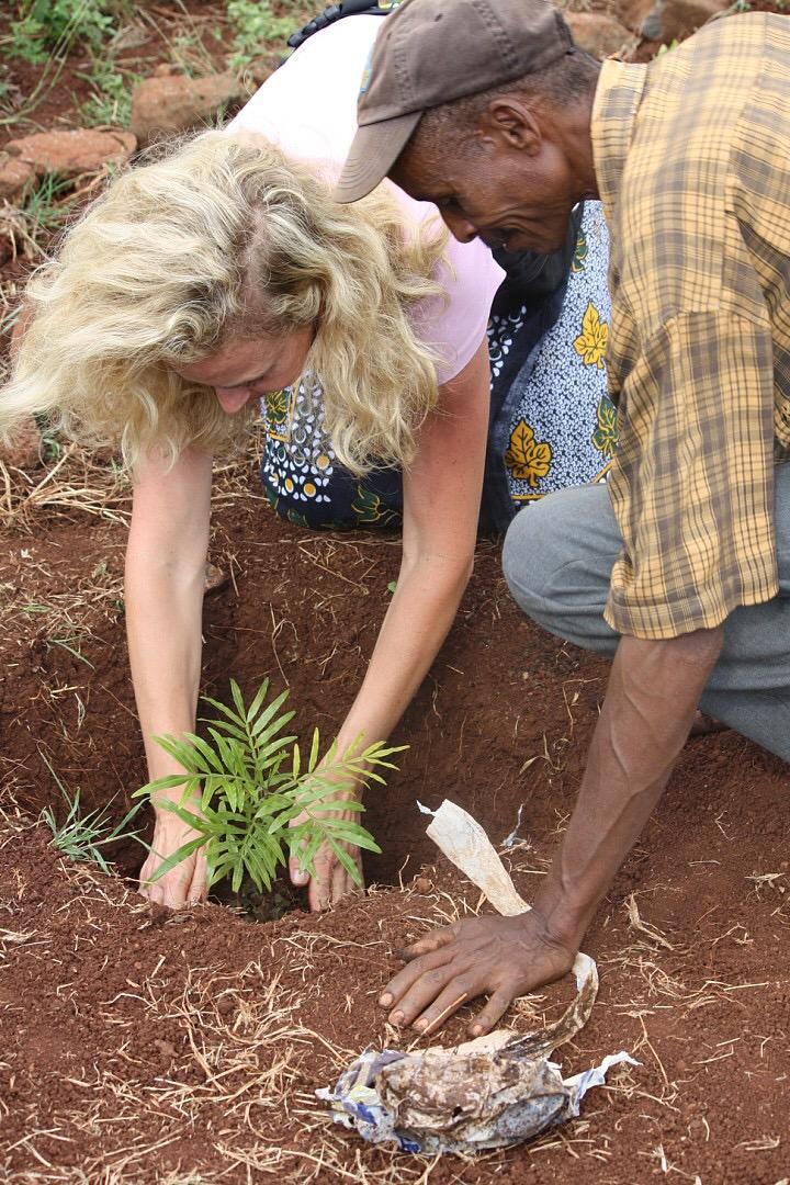 anne planting tree 2.JPG