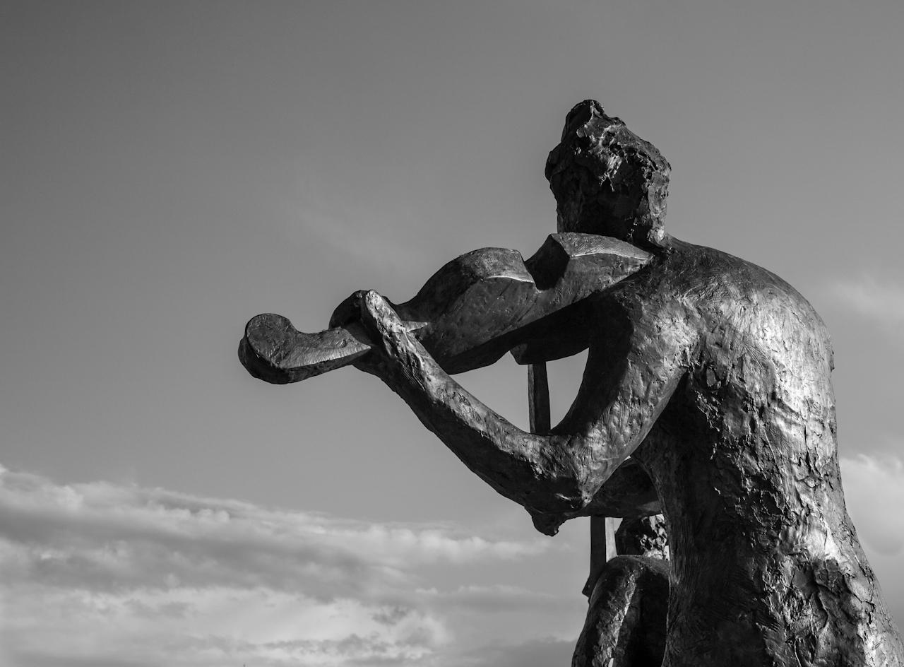 Violinist to the Sky