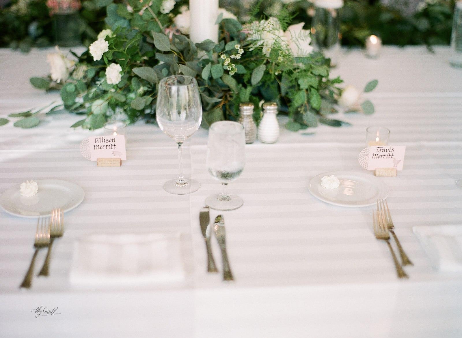 Allison _ Travis Wedding Film-000066290013.jpg