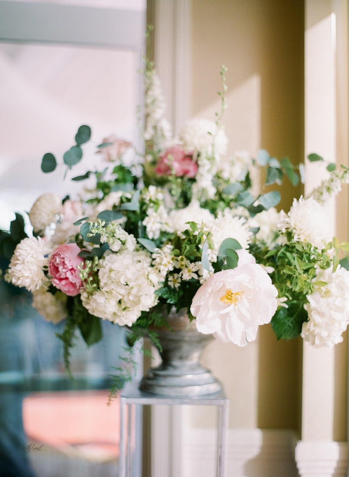 Allison _ Travis Wedding Film-000066290014.jpg