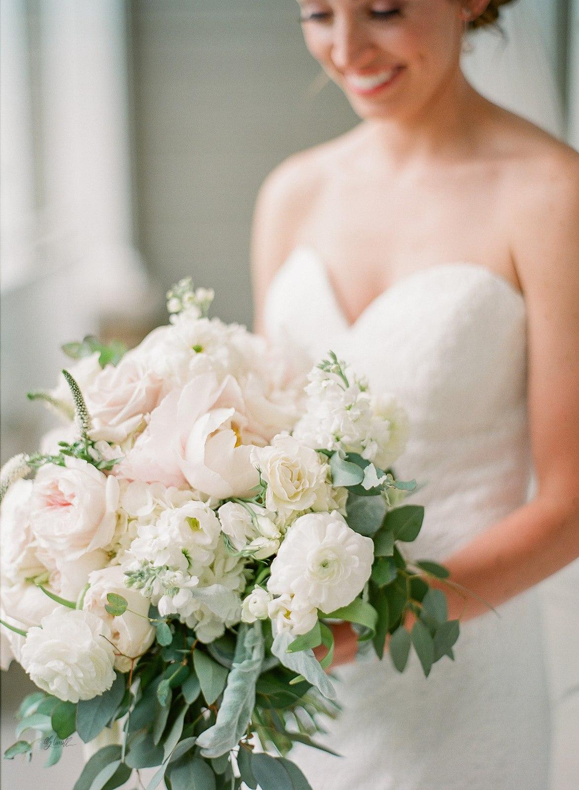 Allison _ Travis Wedding Film-000066320001.jpg
