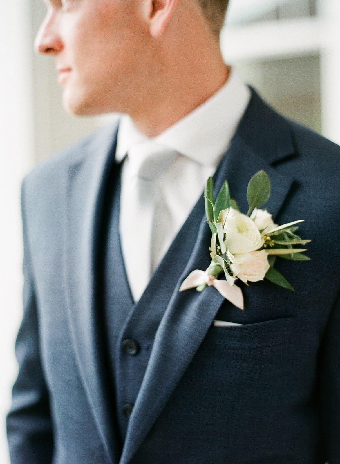 Allison _ Travis Wedding Film-000066320007.jpg