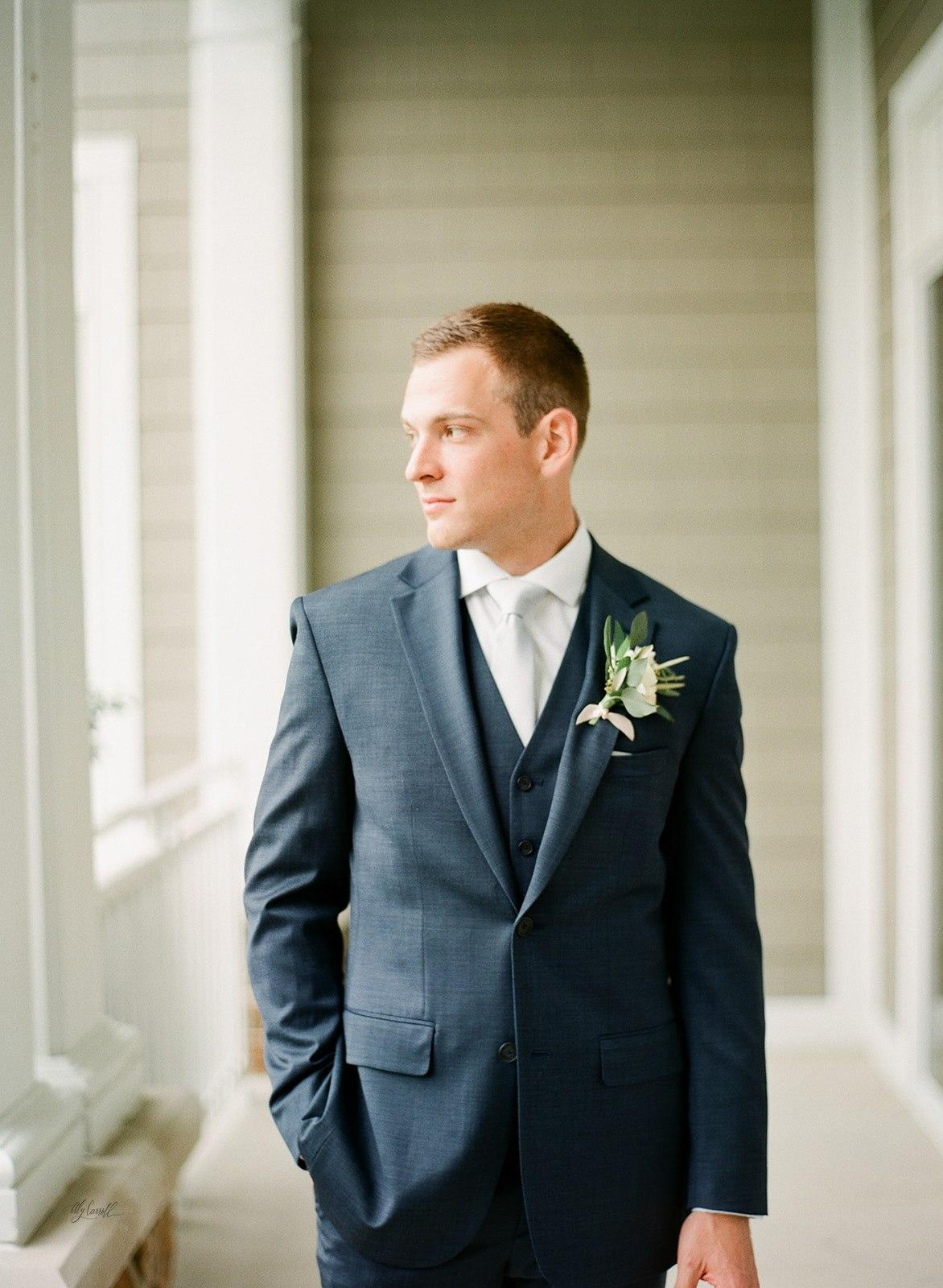 Allison _ Travis Wedding Film-000066320008.jpg
