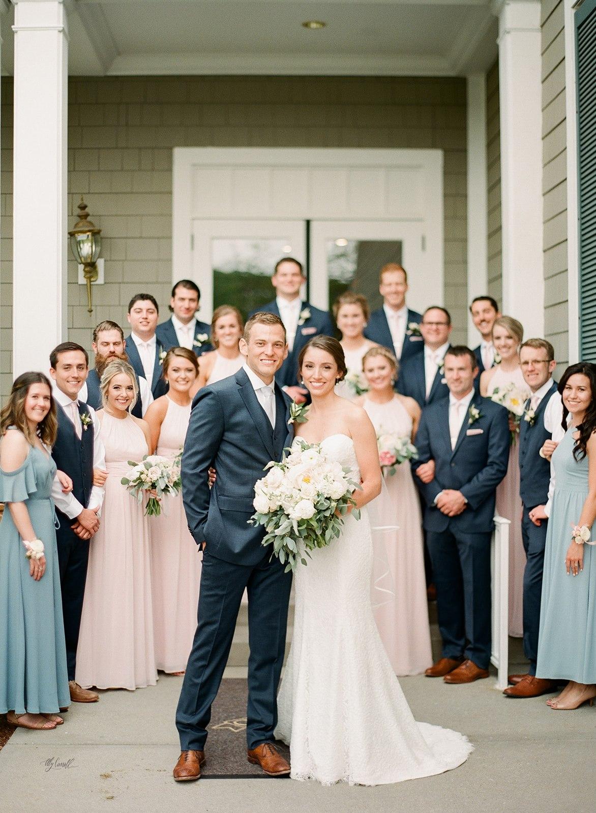 Allison _ Travis Wedding Film-000066320011.jpg