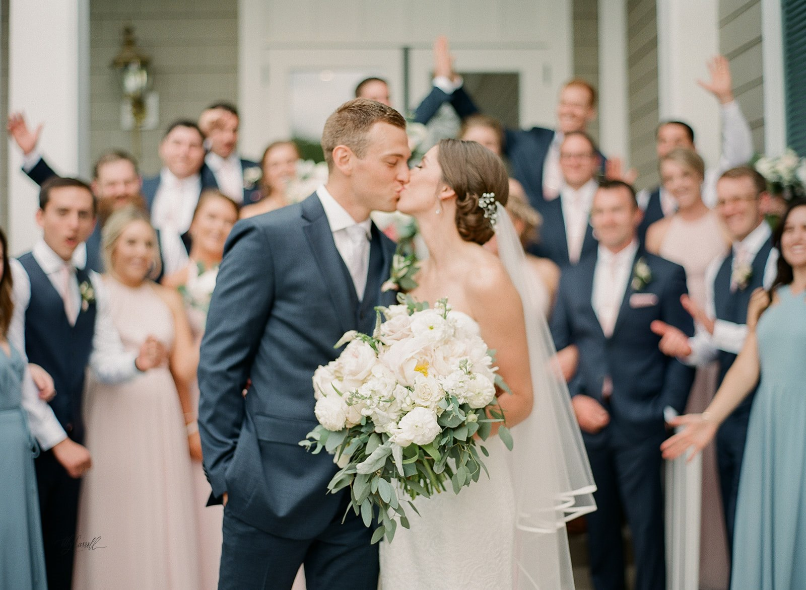 Allison _ Travis Wedding Film-000066320013.jpg