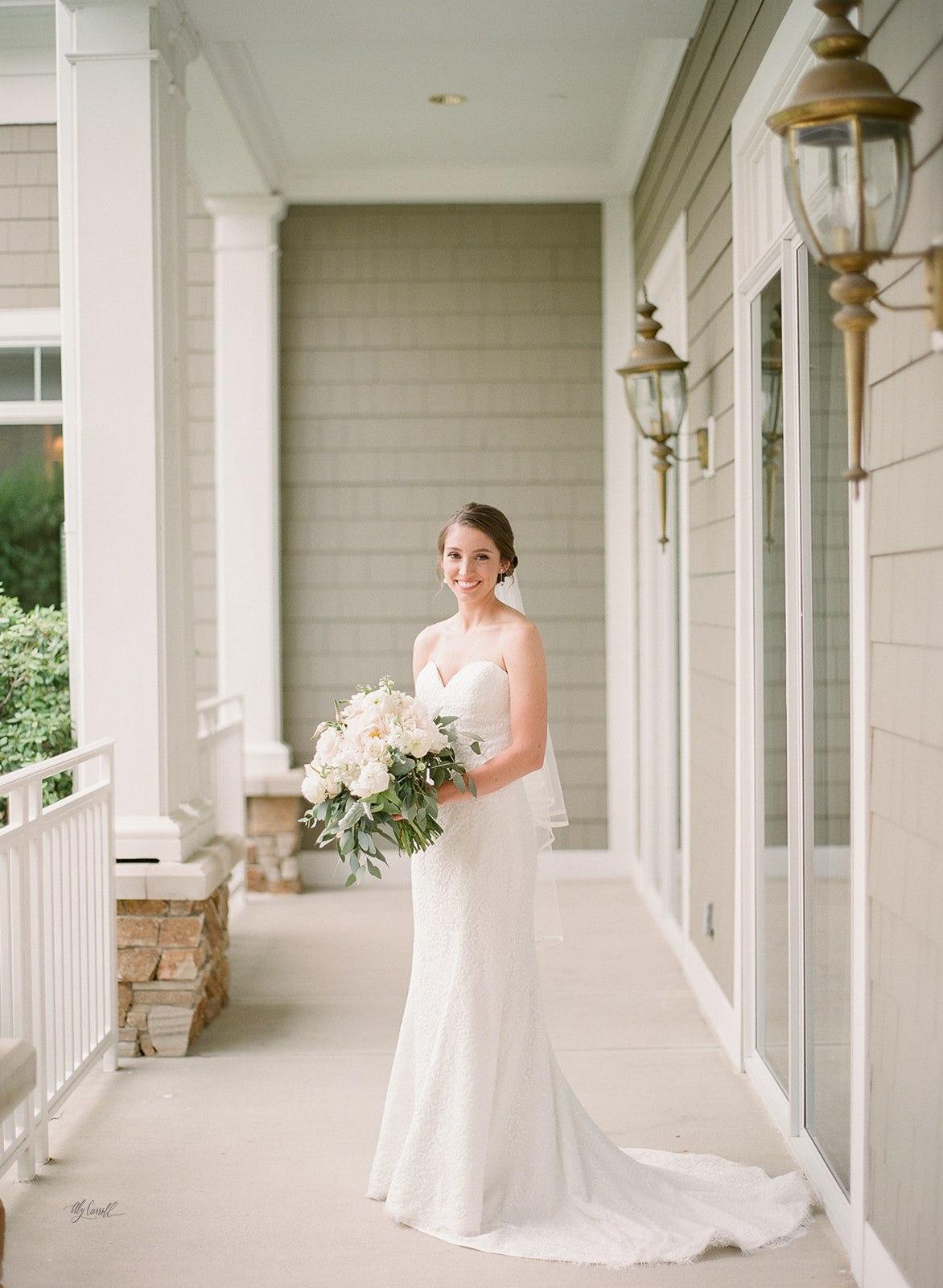 Allison _ Travis Wedding Film-000066330014.jpg