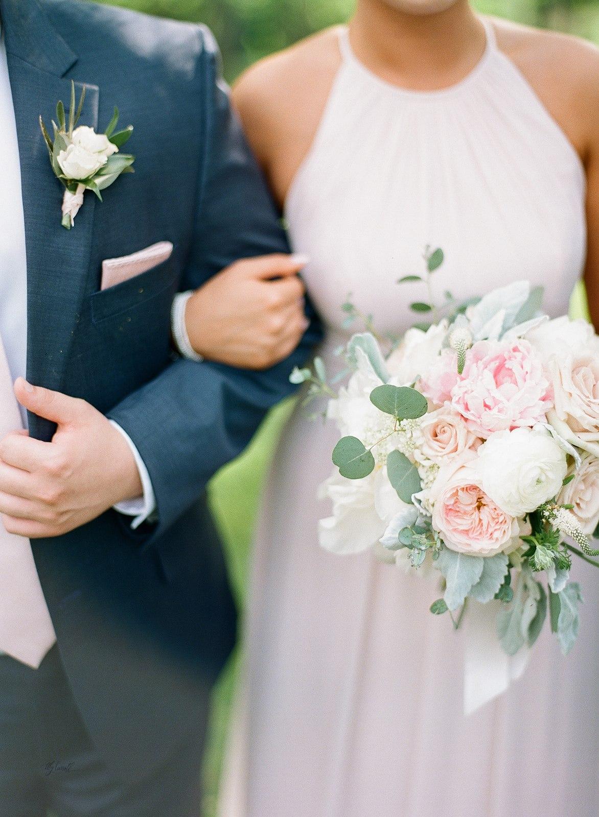 Allison _ Travis Wedding Film-000066420007.jpg