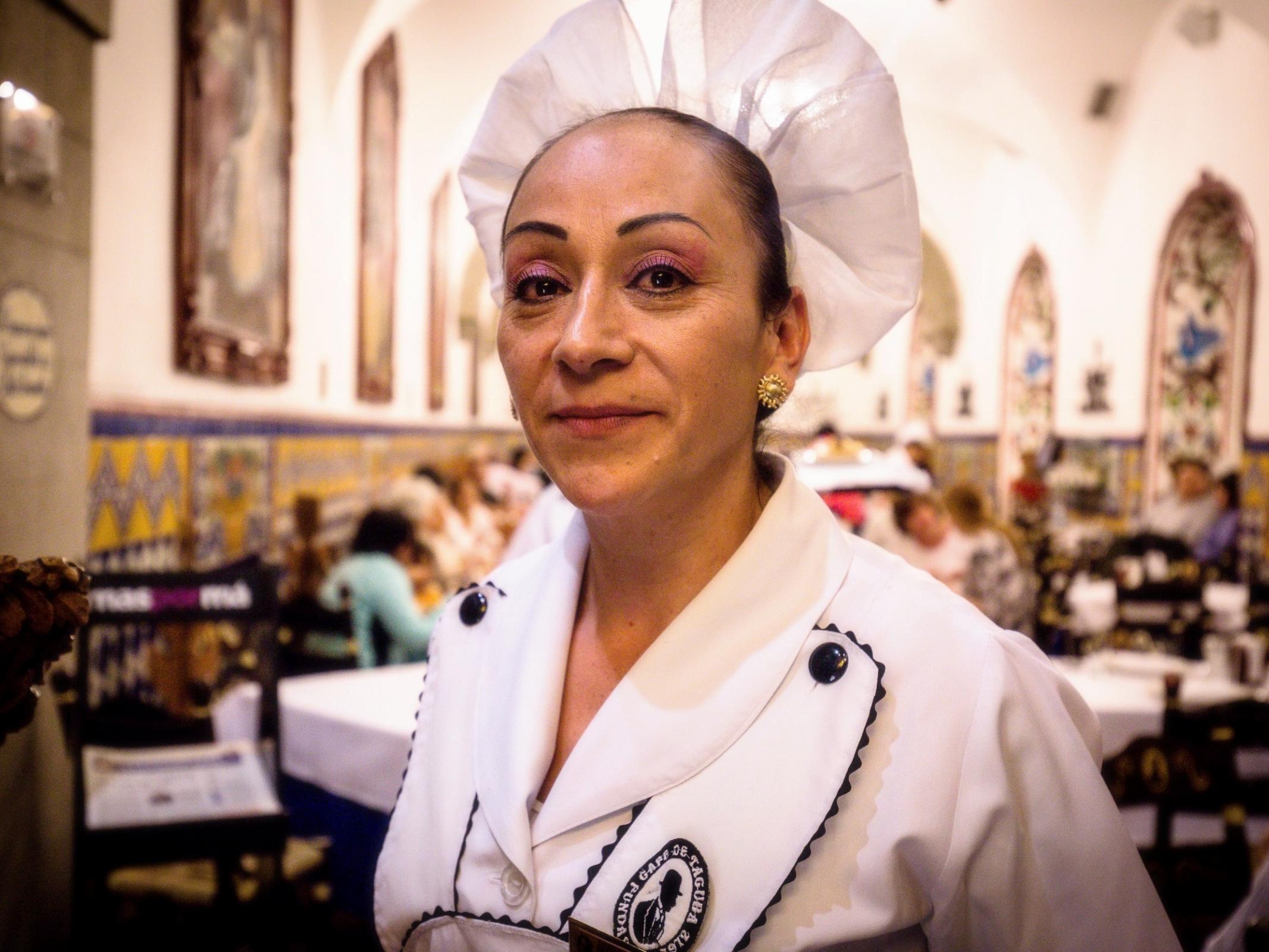 Waitress, Cafe de Tacuba, Mexico City
