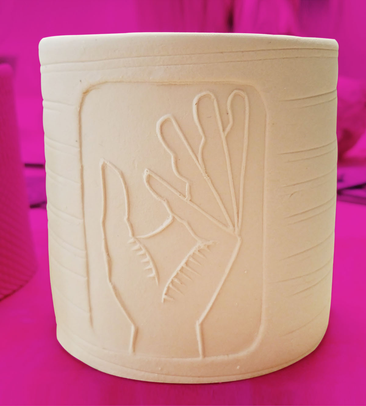 hand_cup.jpg