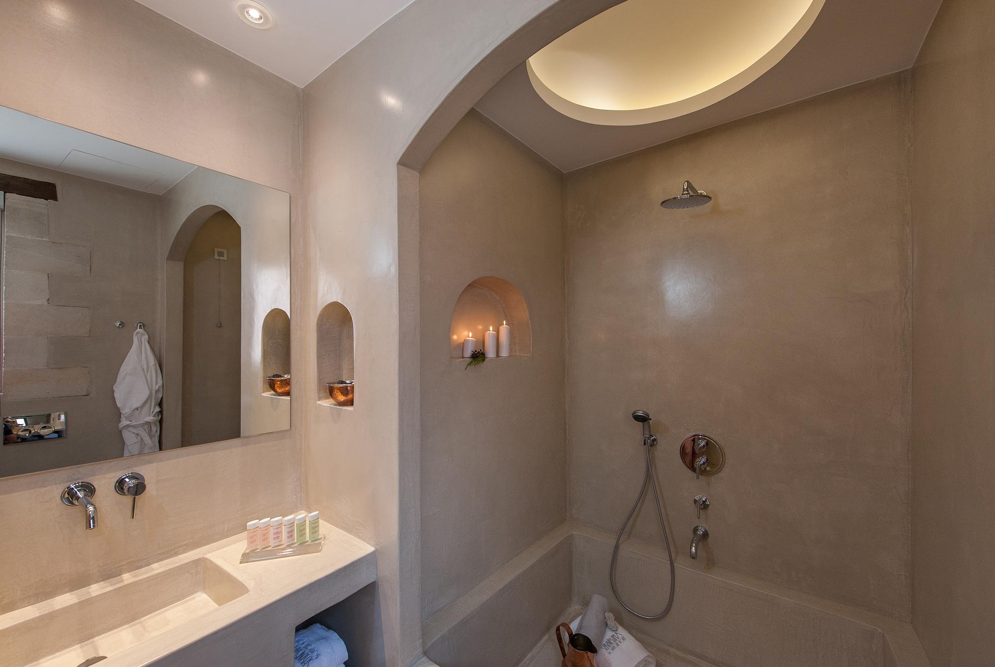 Sereniss-Bathroom junior suite3.jpg