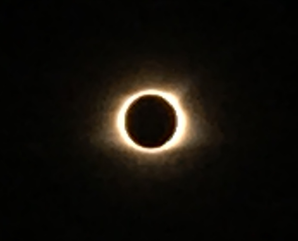 A cell phone photo of the Eclipse 2017. © Katelyn Dekle