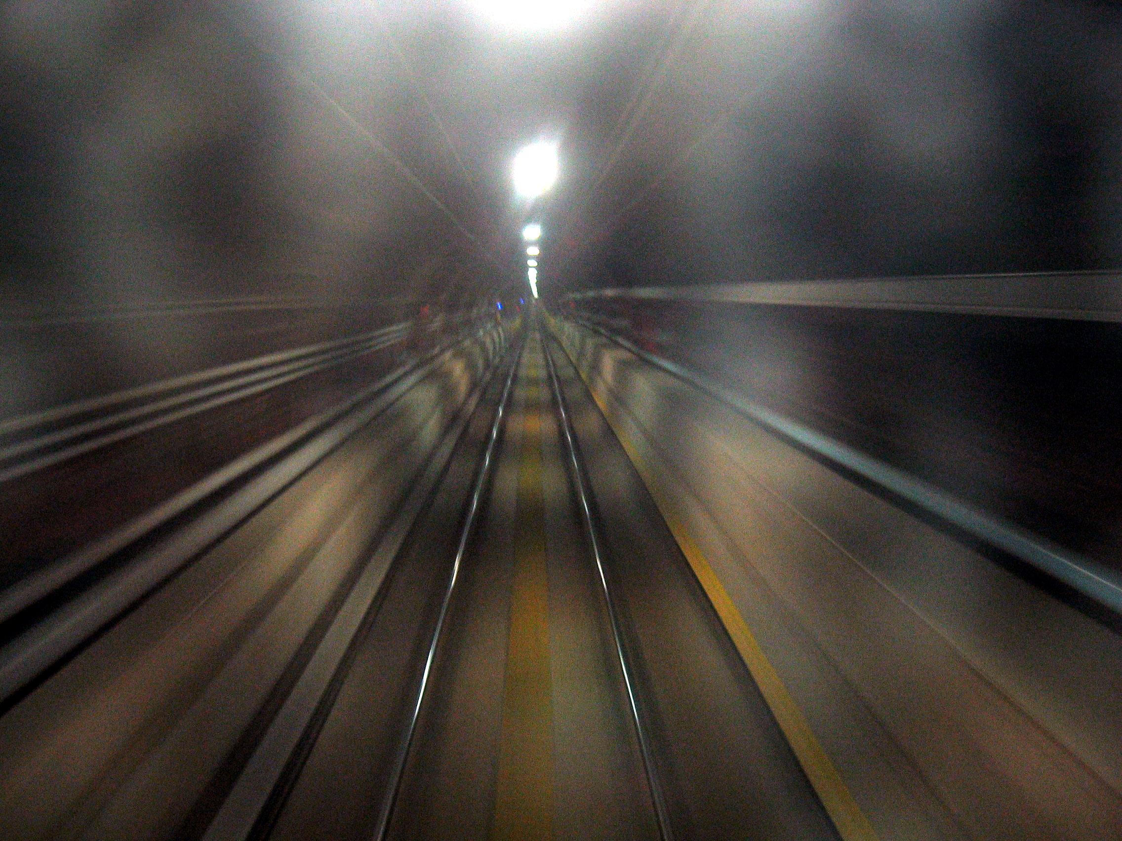 path-train-1548254-1.jpg