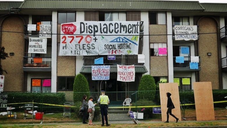 Photo from  stopdisplacement.ca