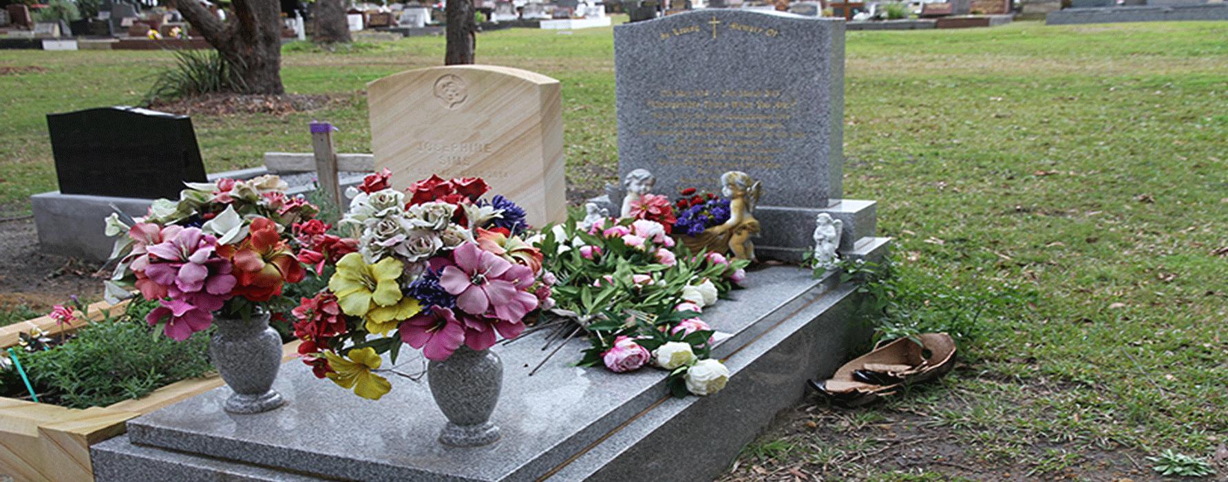 light_grey_gravestone2.png