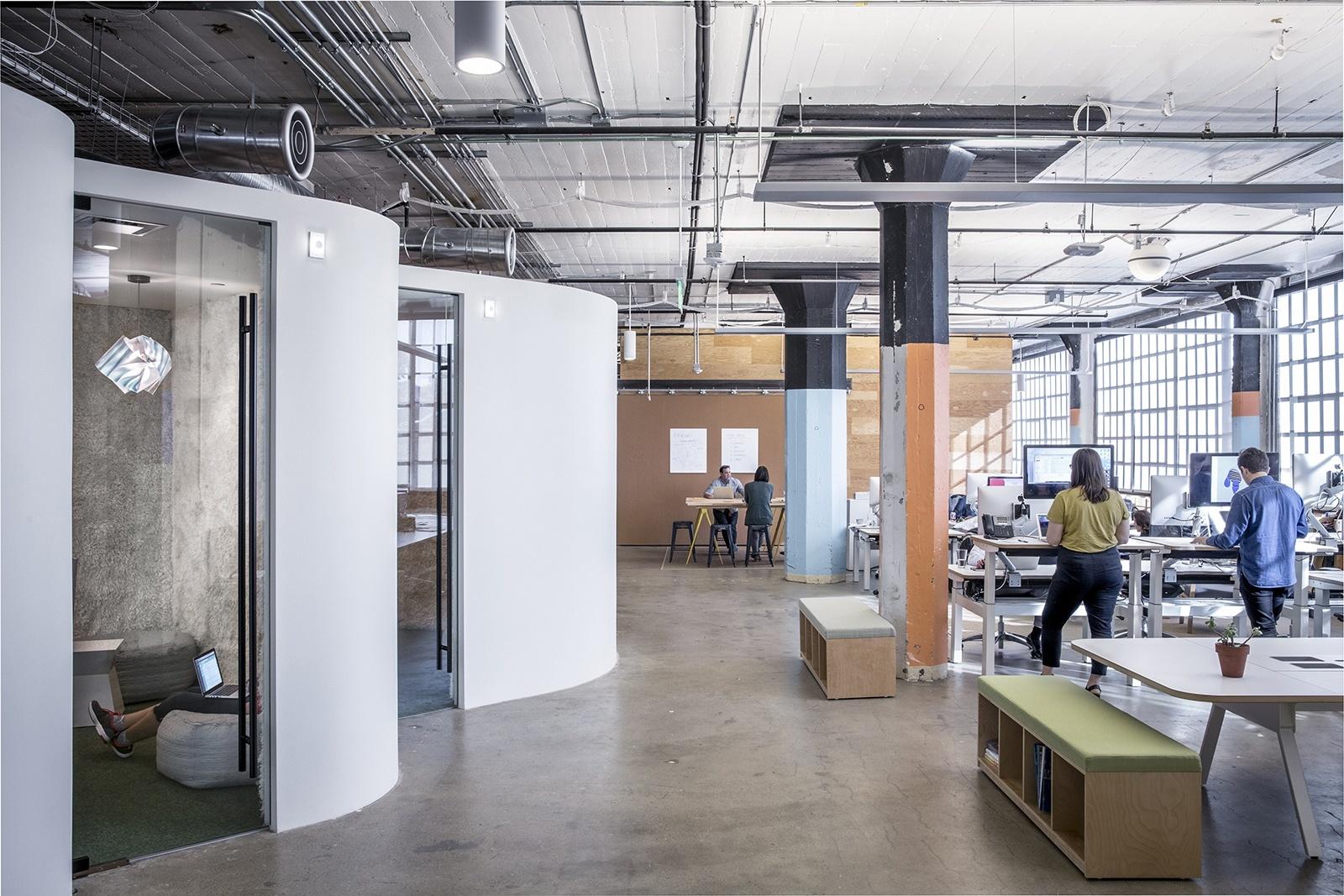 airbnb-office-10.jpeg