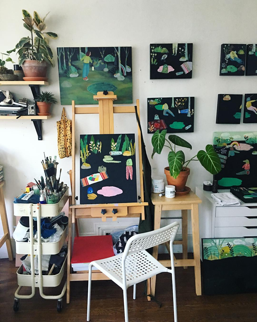Art by  Lindsay Stripling , featured at Rare Device