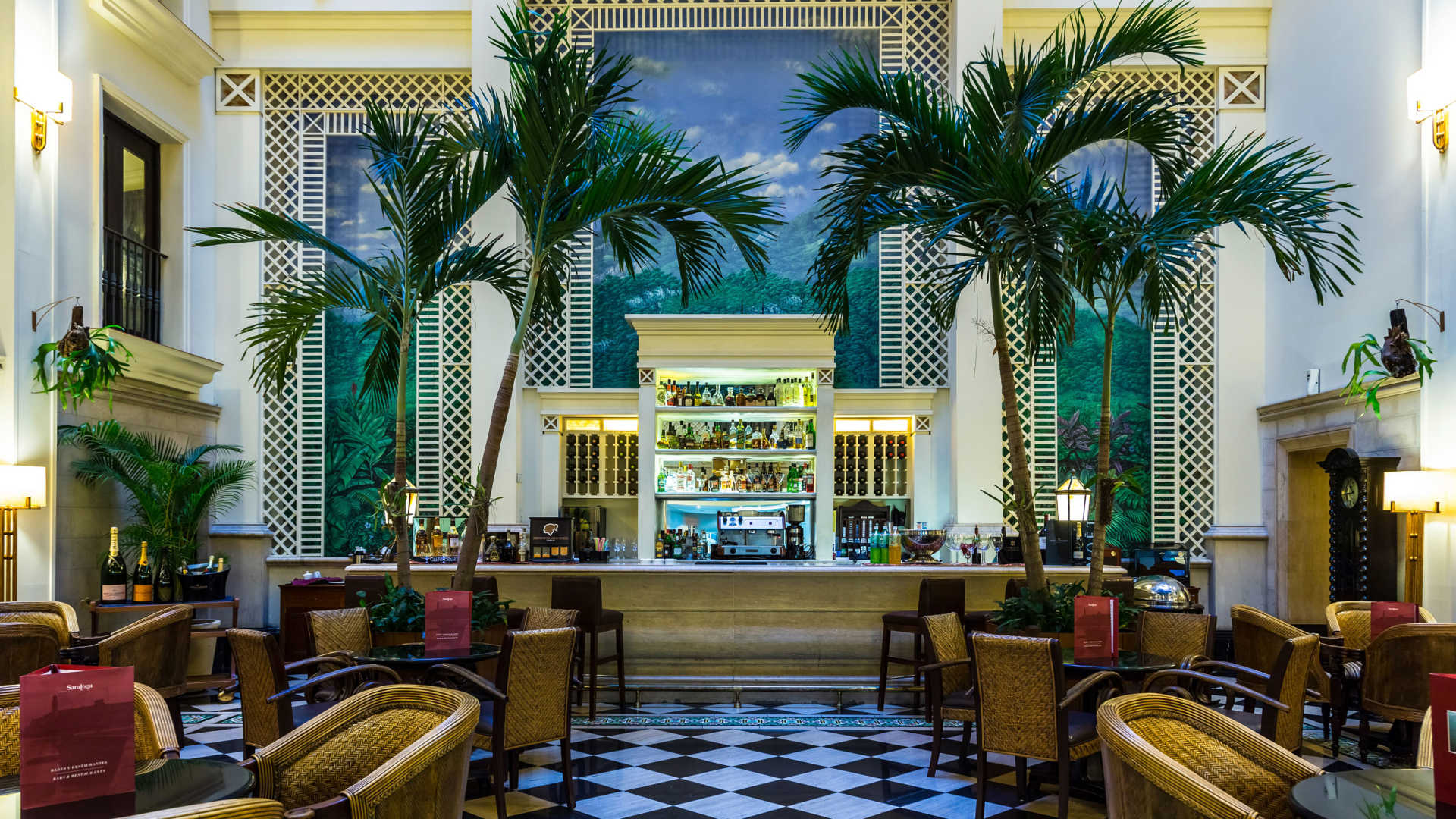 HOTEL SARATOGA -
