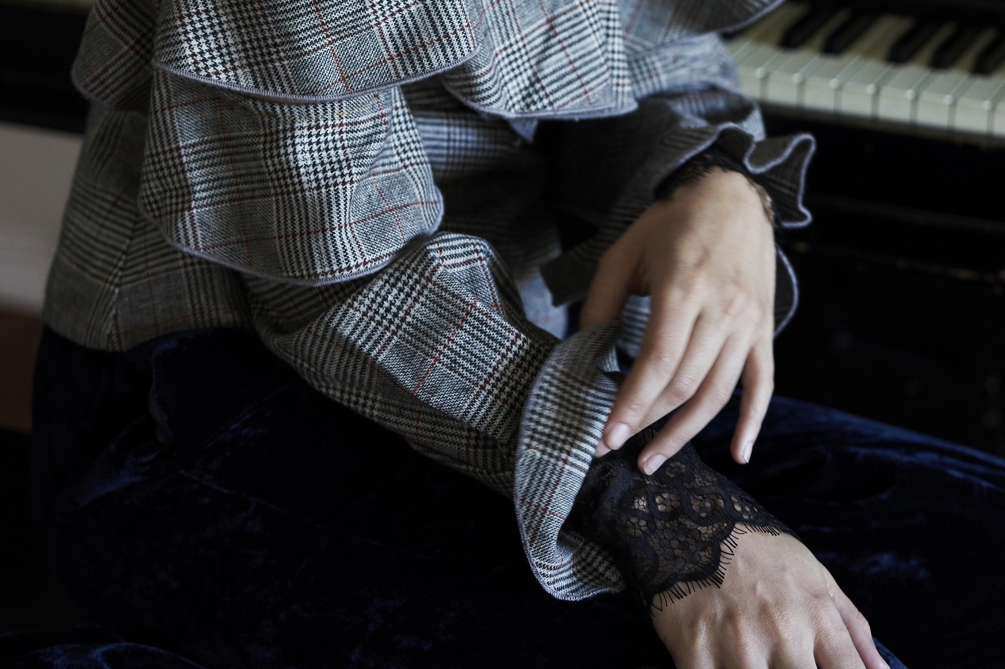 Top—Self Portrait / Elizabeth Charles, Pants—Nili Lotan / Elizabeth Charles