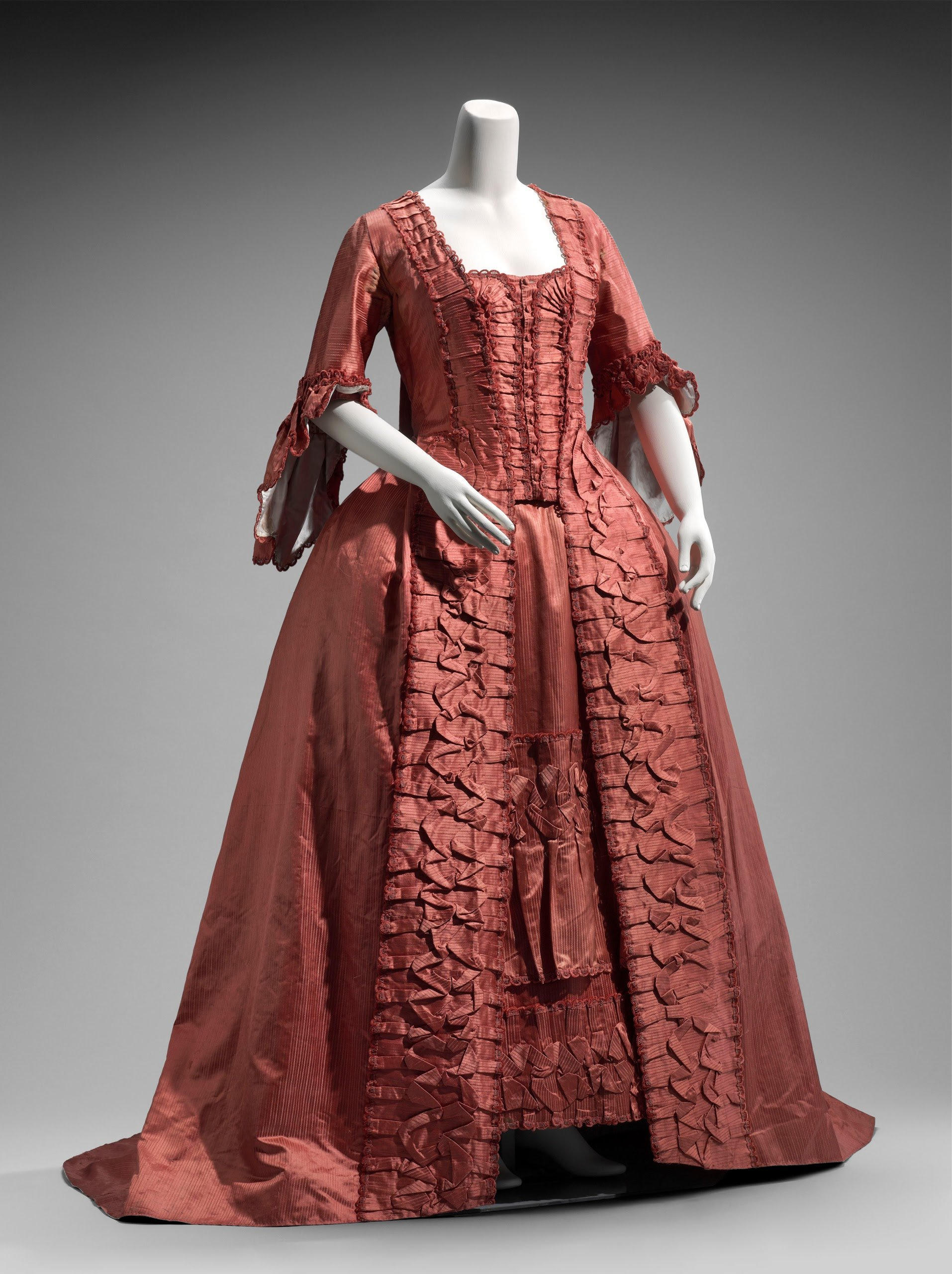 Dress in two parts French 1760s.jpg