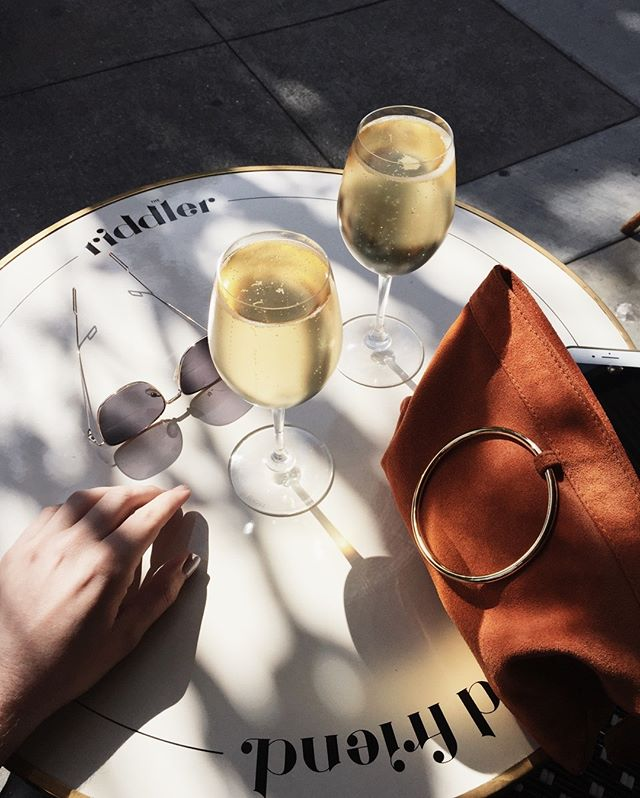 Cheers to a week of being too much 🥂 Who else is enjoying the sparkling in the heat? 🔥 // 📸: @anthonysrogers ... . . . . . . . . #bobcutmag #magazine #sanfrancisco #igsf #sf #bayarea #sflife #exploresf #sfliving #thesource #source #feature #food #foodsf #foodie #sffoodie #bayareafood #fashion #sfstyle #style #tastemaker #whowhatwearing #foodporn #mysf #lifestyle #trendy #lifestyleguide #trends #newfinds #discover