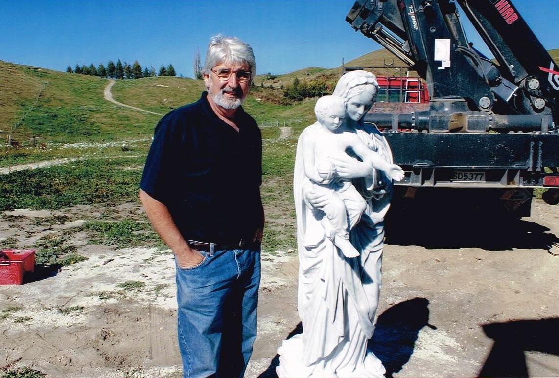 The Artist/Sculptor Michael Pervan