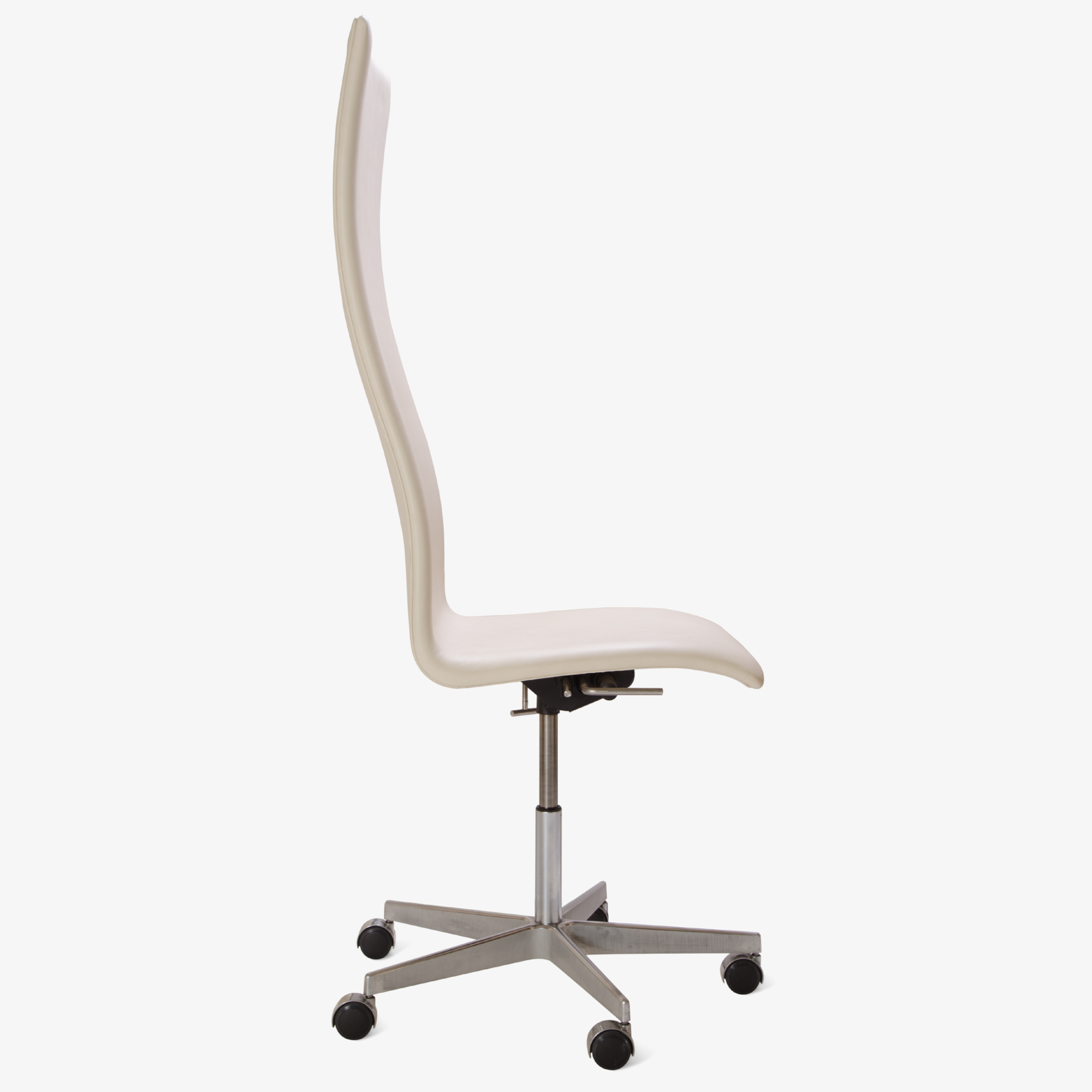 Oxford Chair in Ivory Leather4.png