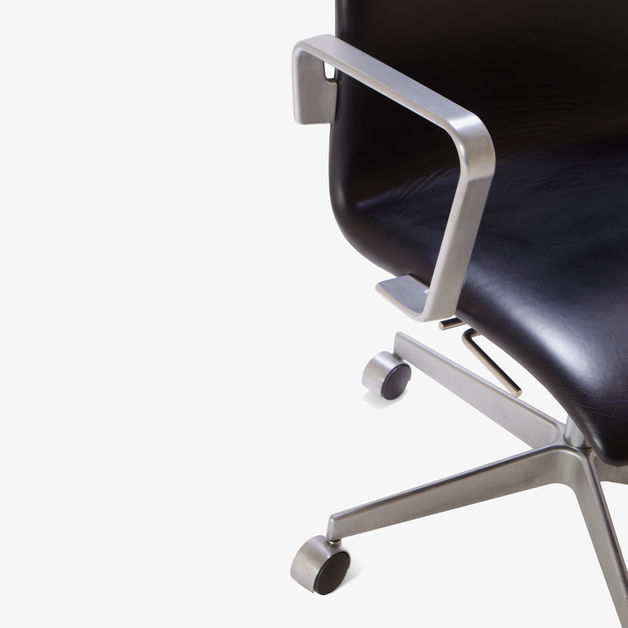 Oxford Chair by Arne Jacobsen for Fritz Hansen7.png