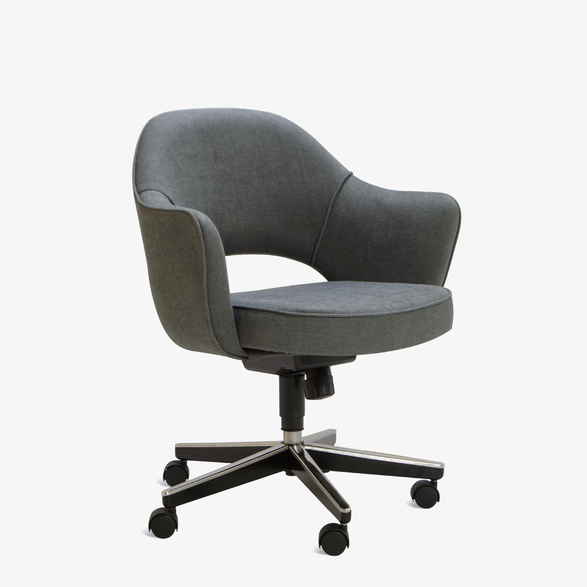 Knoll Saarinen Executive Arm Chair in Fabric, Swivel Base