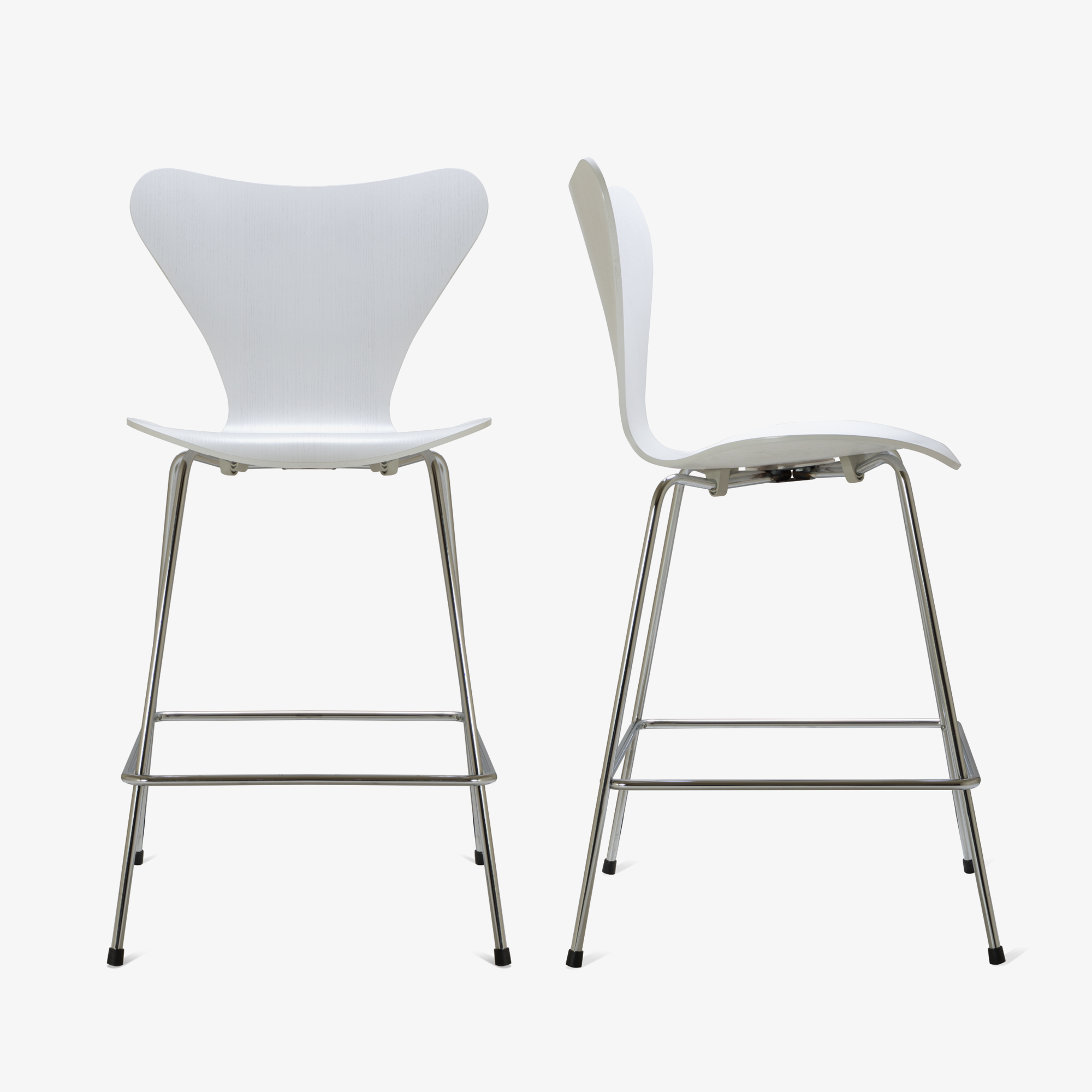 Series 7 Counter Stools in White Ash by Arne Jacobsen for Fritz Hansen, Set of 102.png