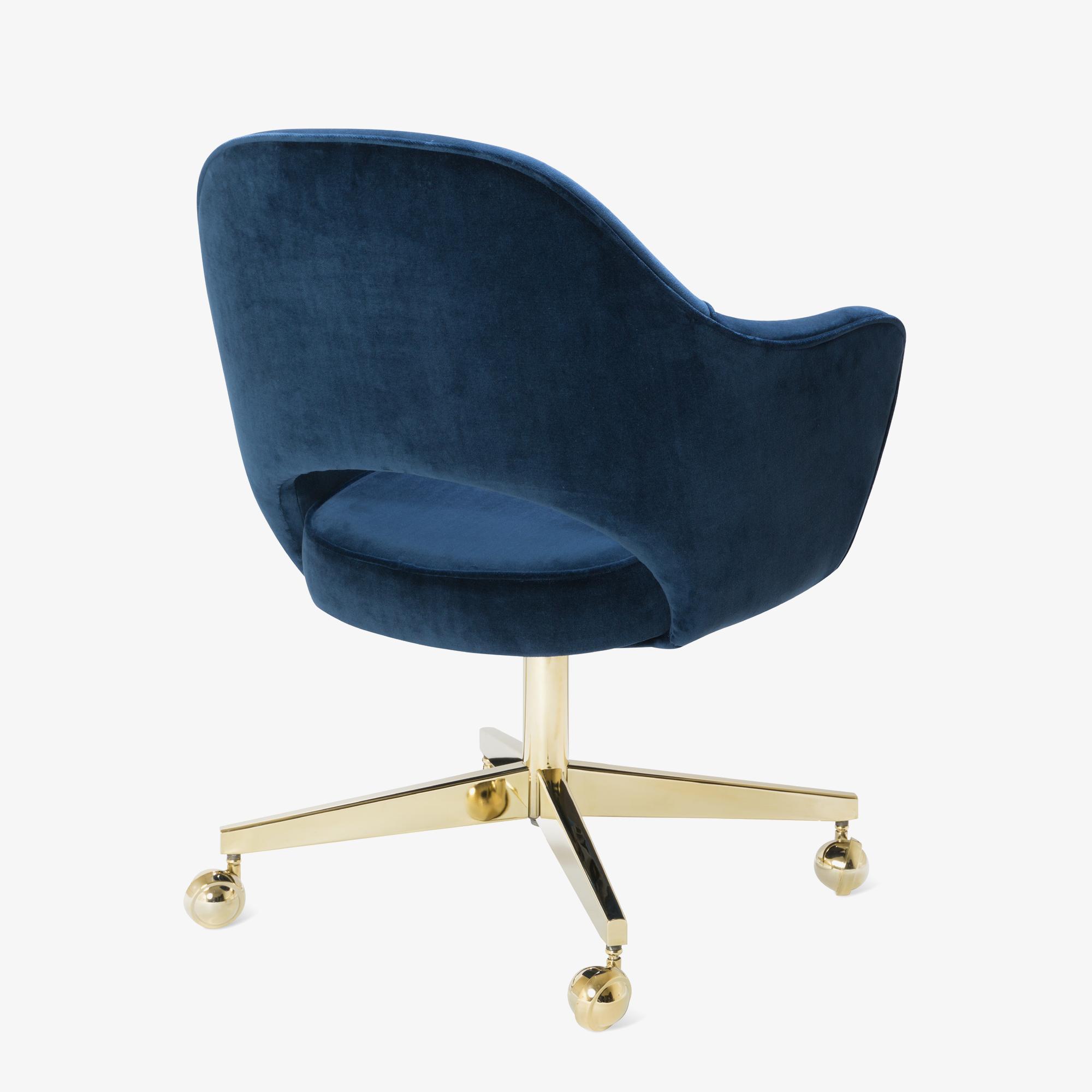 Saarinen Executive Arm Chair in Navy Velvet, Swivel Base, 24k Gold Edition5.png